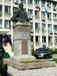 Bustul lui Alexandru Ioan Cuza din Gradina Publica Tecuci
