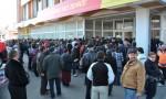 Coada la deschiderea magazinului Minimax din Tecuci