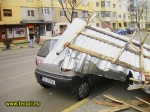 Autoturism avariat in Tecuci in timpul furtunii