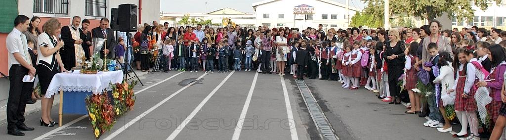 Deschiderea anului scolar 2012 Iorgu Iordan_tecuci.eu