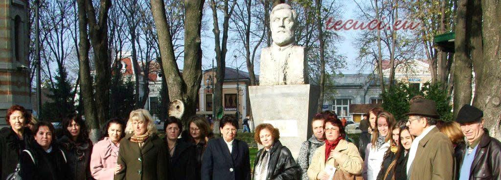 La bustul lui St. Petica_Tecuci.eu