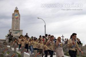 Ziua Eroilor depunere coroane cercetasi monumentul eroilor Tecuci 2018_850x567