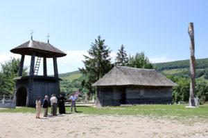 Biserica din lemn din comuna Răchitoasa