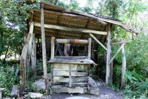 Burdusaci - Vechea fântână din curtea casei părinteşti a lui C.D. Zeletin