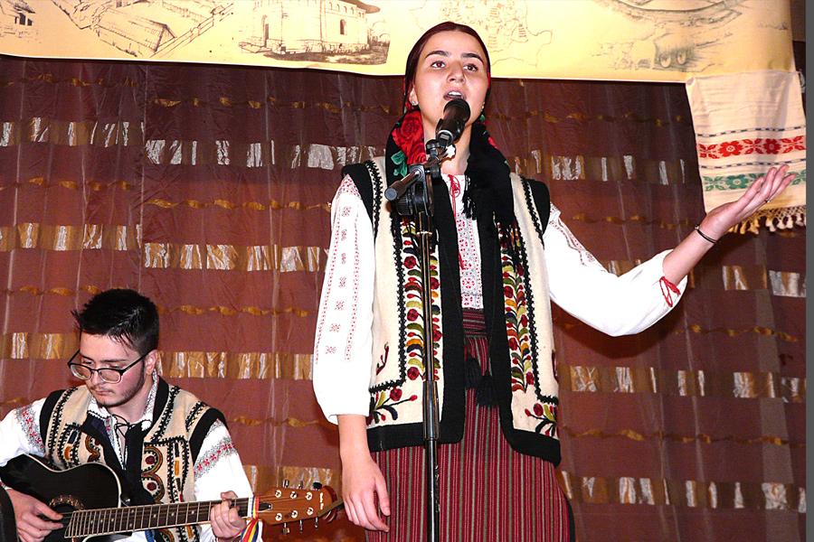 Manifestarea la Tecuci dedicată Anului omagial al satului românesc 2