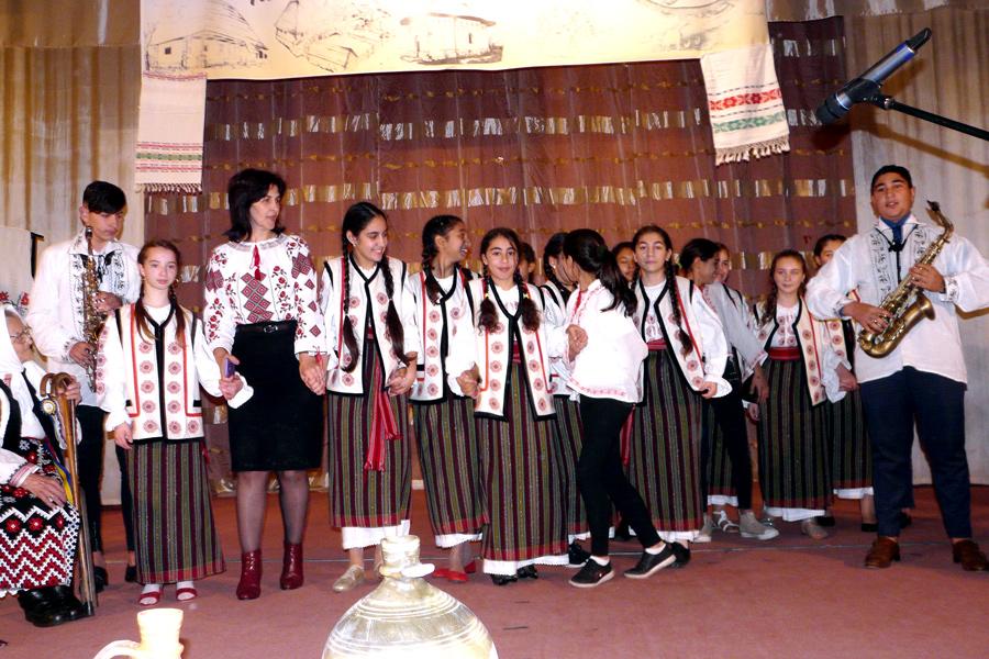 Manifestarea la Tecuci dedicată Anului omagial al satului românesc 6