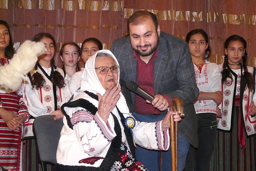 Manifestarea la Tecuci dedicată Anului omagial al satului românesc 7