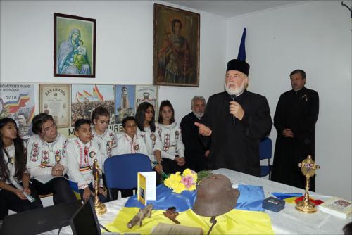 Locuitorii din satul Podoleni, comuna Barcea, știu să-și omagieze eroii-8